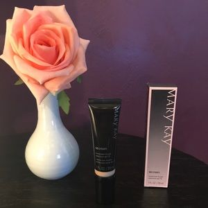 Mary Kay CC Cream - Very Light